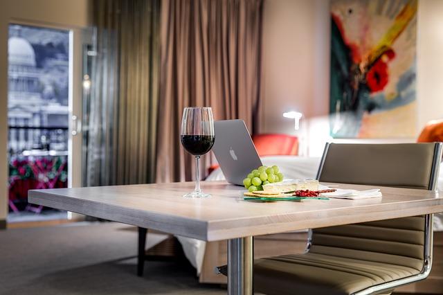 como atraer clientes innovación hotelera